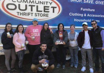 thanksgiving-families-truck